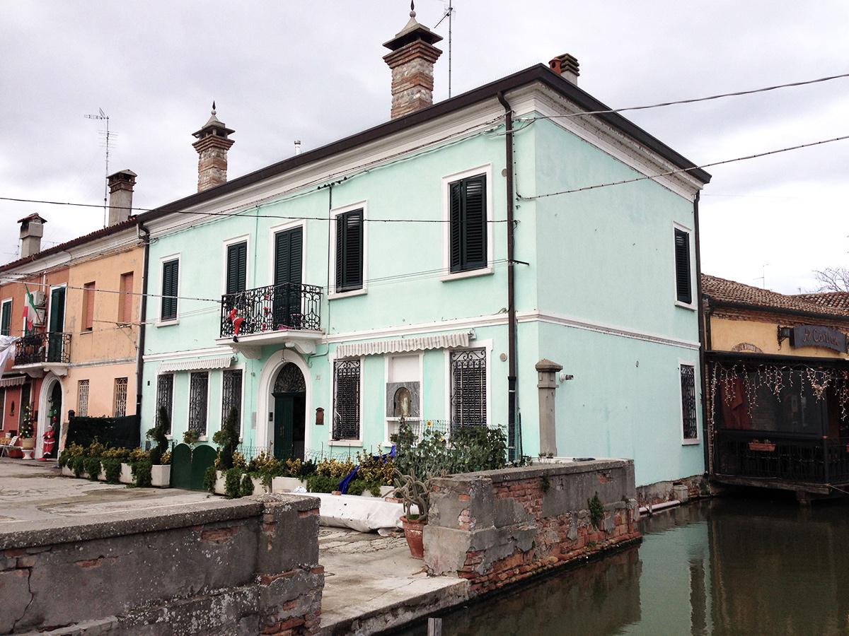 comacchio houses