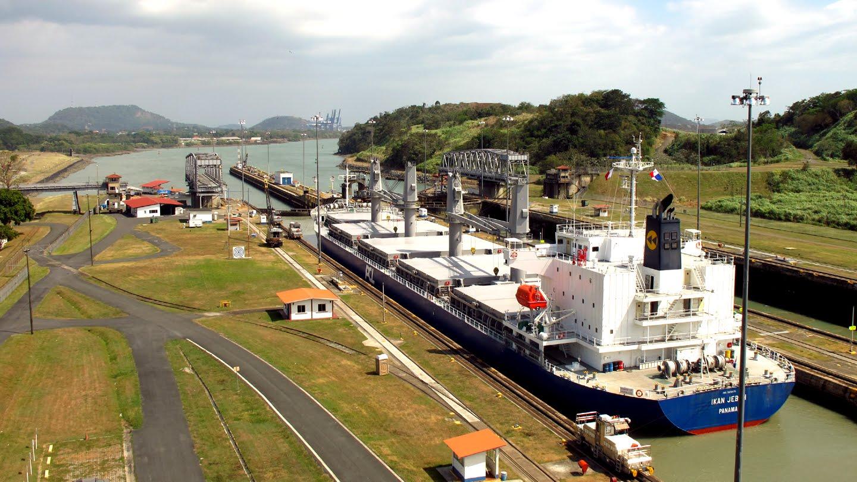 Canal De Panamá: Sarah + Marc: Les Écluses De Miraflores / Canal De Panama