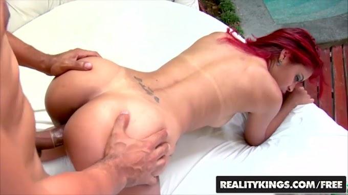 Mike In Brazil com a gostosa Samira Ferraz Video porno