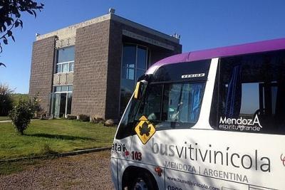 Passeio com o Bus Vitivinícola em Mendoza