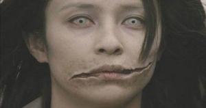 Ο θρύλος της γυναίκας με το σκισμενο στομα!!!- Είναι τοσο τρομακτικός που θα σας κάνει να βλέπετε εφιαλτες…