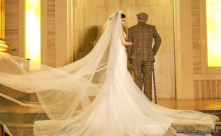 Gadis Cantik 'Kahwini' Datuk Sendiri Kerana Terlalu Sayang