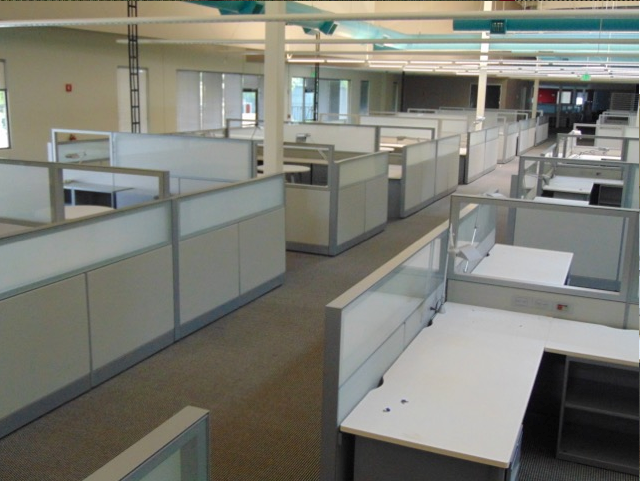 Used cubicles with glass