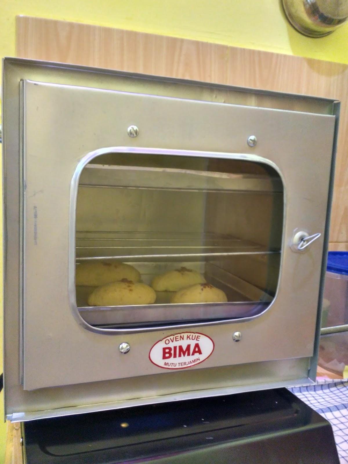 Manggang Roti Isi Pakai Otang