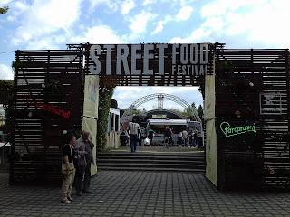 Mâncare și muzica bună la Street Food Festival la Timisoara. Galerie FOTO