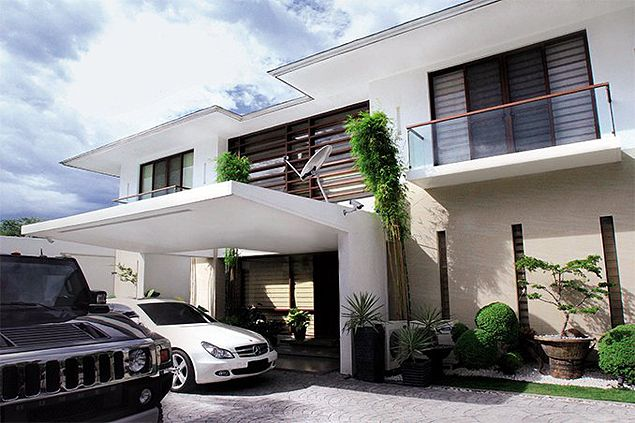 Top 10 Luxurious Houses and Mansions of Your Favorite Pinoy Celebrities. See Them Here!