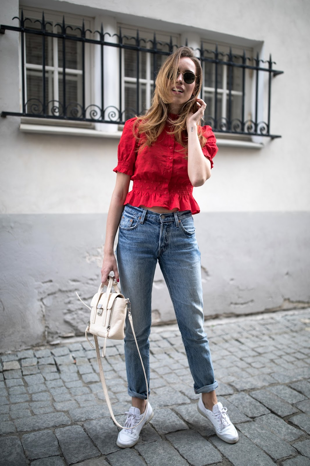 kristjaana-mom-jeans-summer-outfit