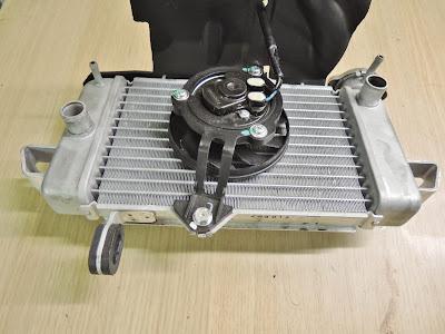 Yamaha YZF R125 radiator fan operation , resistance