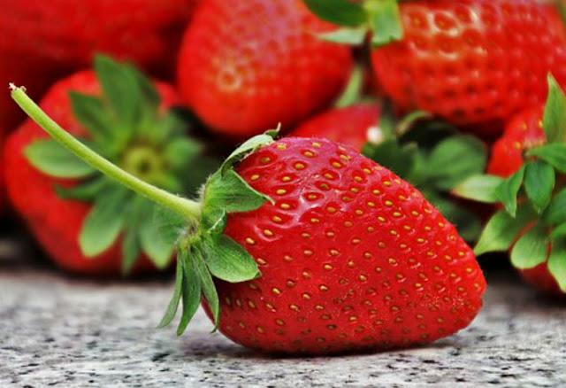 Manfaat Dan Khasiat Buah Strawberry Untuk Kesehatan