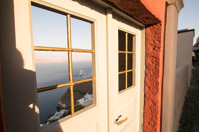 Alba a Fira-Santorini