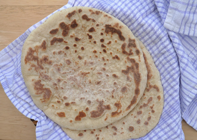 This Muslim Girl Bakes: Really Soft Naan Bread.