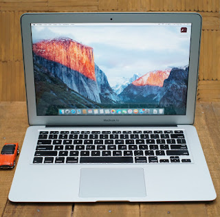 Macbook Air 13 Core i7 Bekas