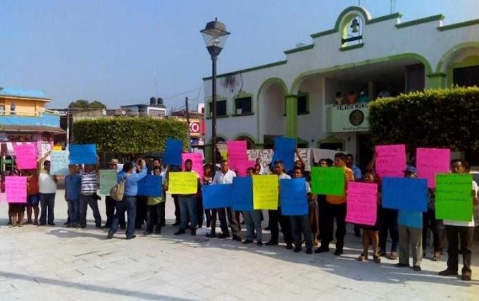 PROTESTAN POR PAGO EXPOLICÍAS EN CHIAPAS
