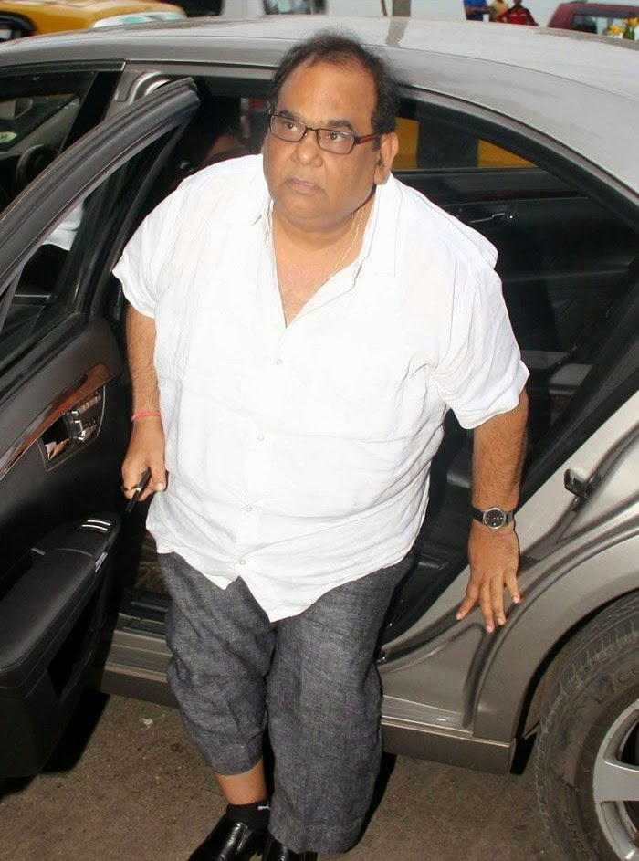 Satish Kaushik, Pics from Condolence Meeting of Late Filmmaker Ravi Chopra
