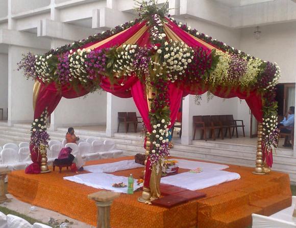 Wedding Mandap Decoration Ideas: A WEDDING PLANNER: Indian Wedding Stage Decorations And