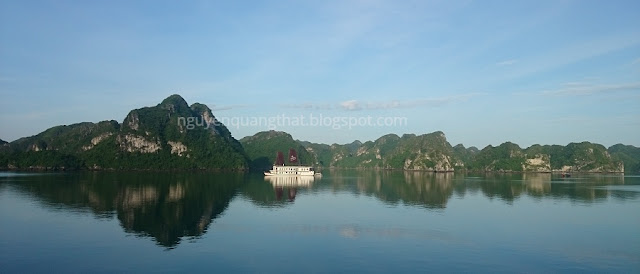 Lift the ban on kayaking to Halong cruises
