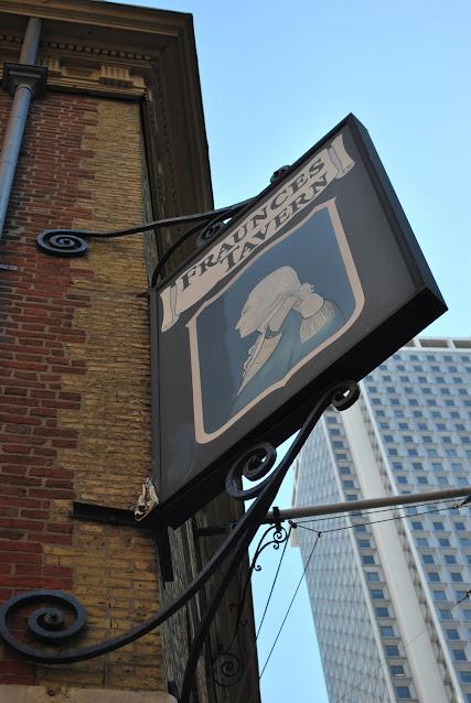 Fraunces Tavern's sign