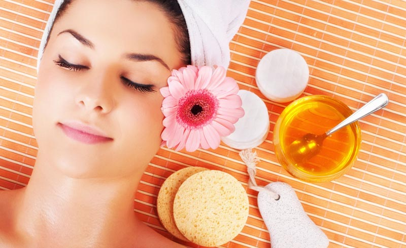 9 Ways Honey Can Up Your Beauty
