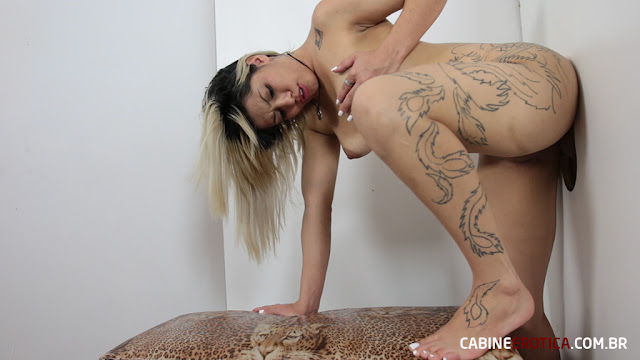 Mary has an angel face ... and a blowjob of a little bitch! - Gloryhole Brazil