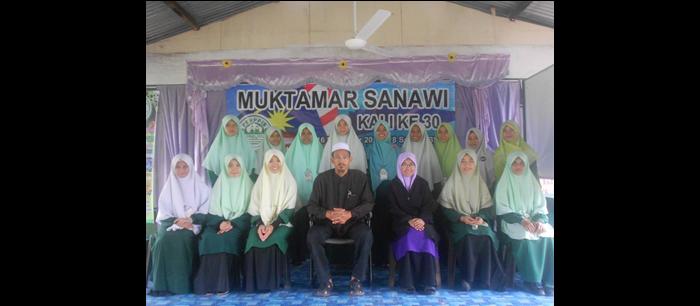 Sebahagian AJK Muslimat sesi 12/13 dan sesi 13/14 ketika Muktamar Tahun Lepas