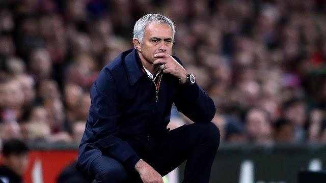 Advocaat: Mourinho Bukan Pesulap
