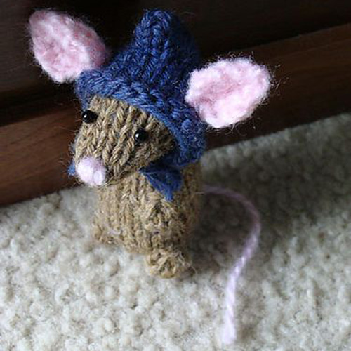 Holiday Mice - Free Pattern