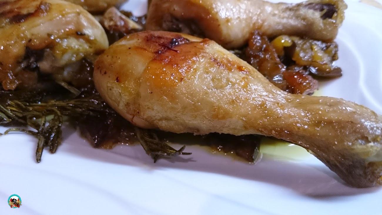 Muslitos de pollo con berenjenas huele bien - Muslitos de pollo ...