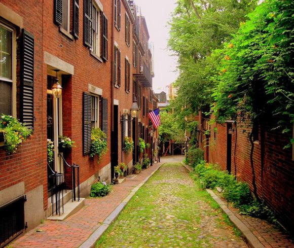 Acorn Street, Boston, USA