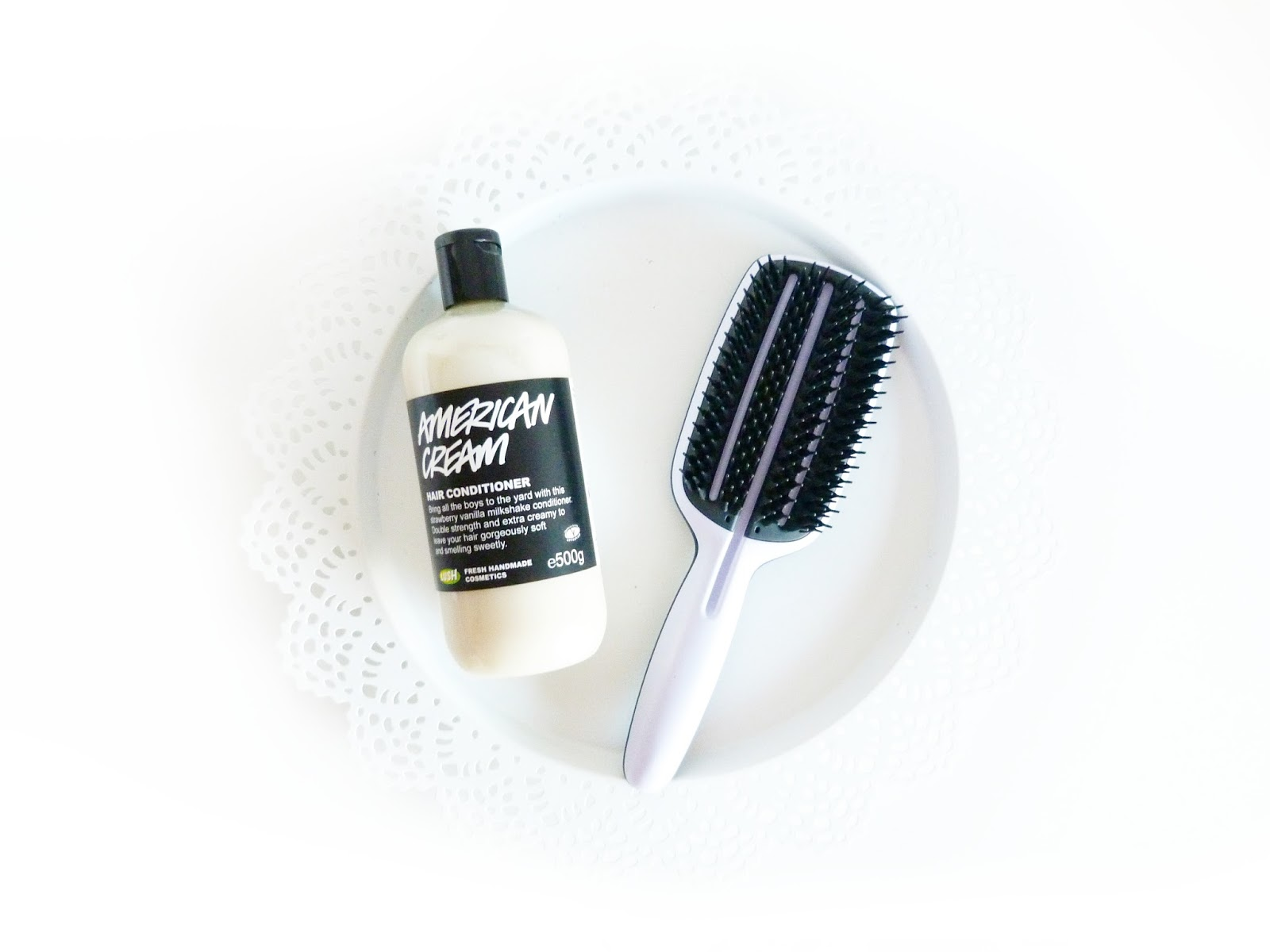 Tangle Teezer and LUSH conditioner for frizzy hair