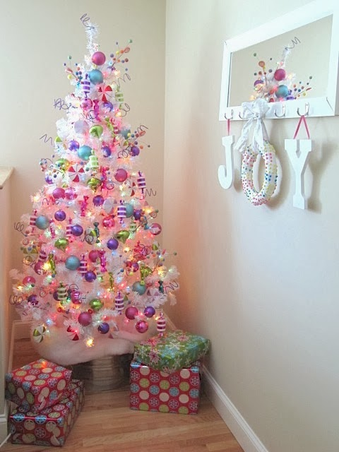 Sew Many Ways...: Easy Christmas Candy Wreath...