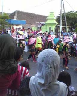 Karnaval tujuh belasan singgahan