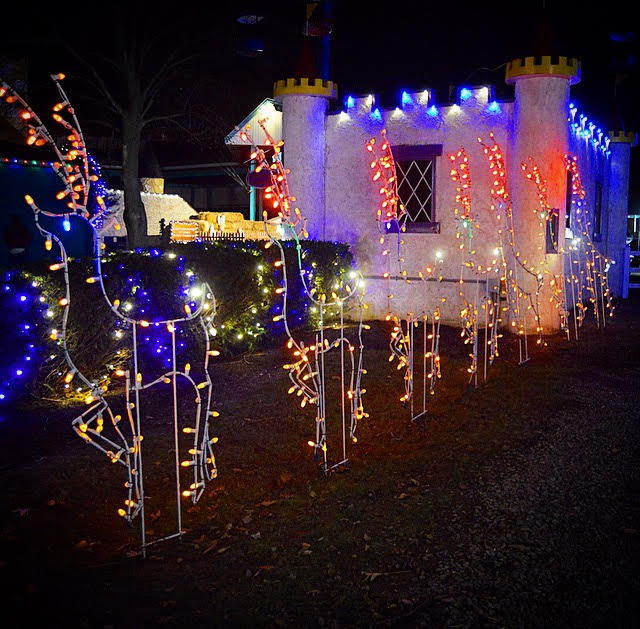 an obvious choice for a family holiday tradition we highly recommend a visit to dutch wonderland during their winter wonderland event