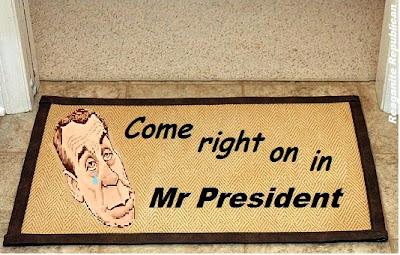 http://i2.wp.com/3.bp.blogspot.com/-7s8iddZxZcc/UM7P4oz0wRI/AAAAAAAAUzg/A77SeQMeC2k/s400/Come+Right+In+Mr+President.jpeg?resize=400%2C255