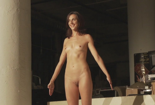 Voyeur Wc Naked Performance Art Festival-3541