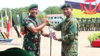 Kerja Sama TNI AD dan AD Brunei