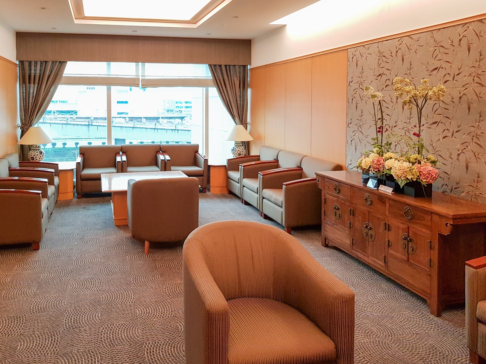 飛行紀錄|日本航空商務艙 JL802: 桃園→成田 (TPE-NRT) 桃園機場貴賓室