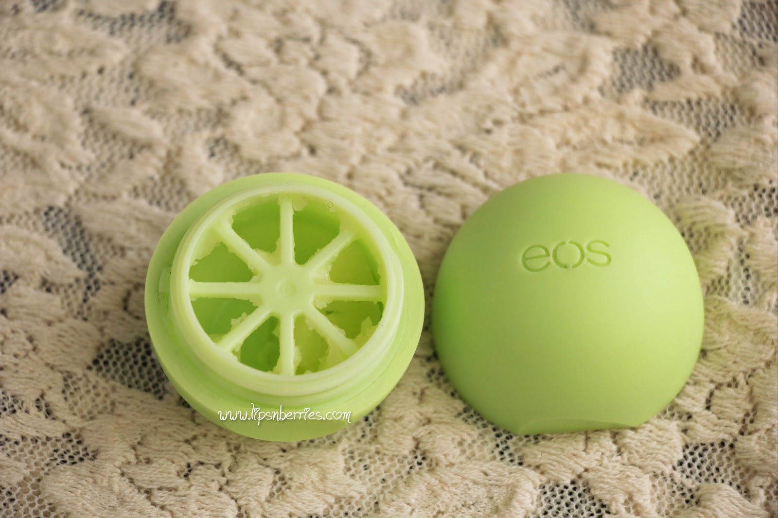 EOS lip balm honeysuckle honeydew review