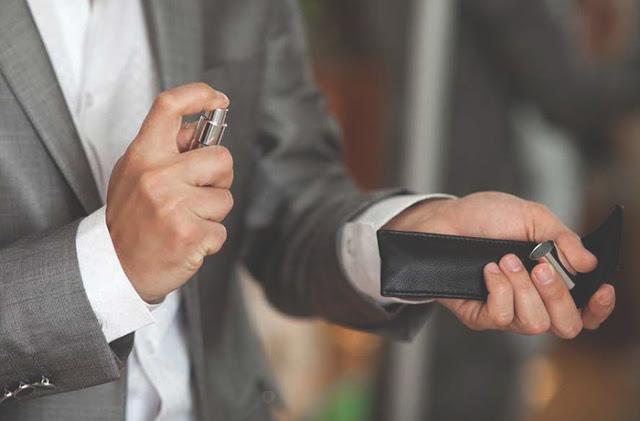 Resultado de imagem para 8 dicas para homens para fazer o perfume durar mais tempo no corpo