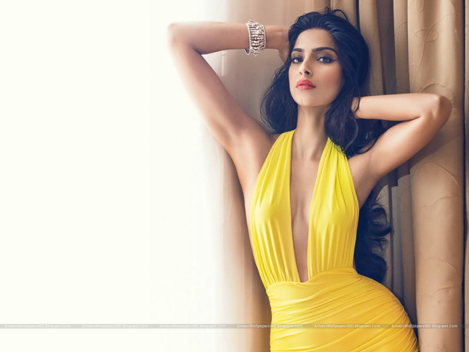 Sonam Kapoor Pictures Hd Latest Wallpapers - A Wind-2258