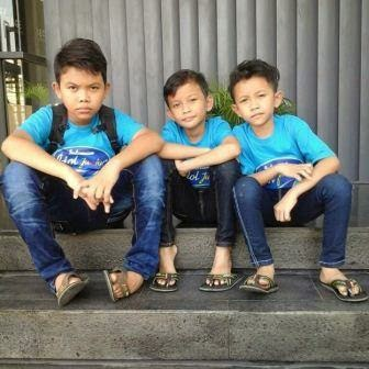 Andy dan Parna Brother