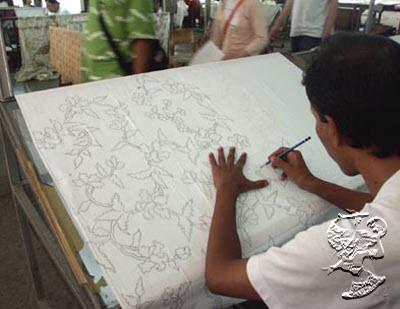 Mori adalah bahan baku batik yang terbuat dari katun. Kualitas mori  bermacam-macam dan jenisnya sangat menentukan baik buruknya kain batik yang  dihasilkan. a3d5ffc0c6