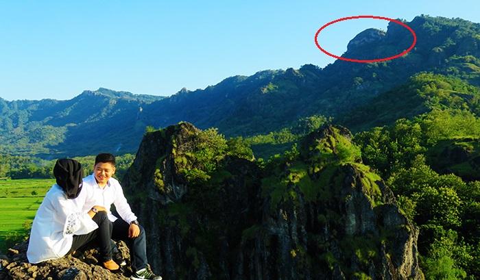 Puncak Gunung Gajah Mungkur Dilihat dari Gunung Sepikul
