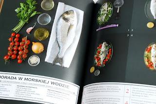 Wnętrze książki, jeden z trzech rybnych przepisów