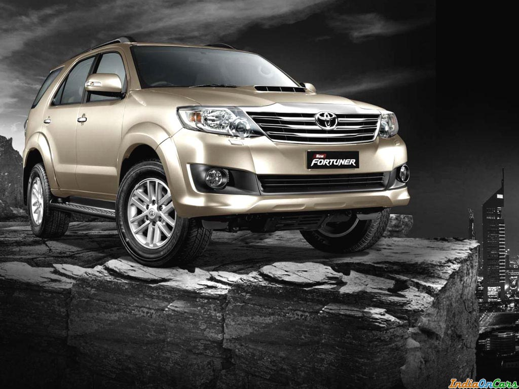 Car Wallpaper Fortuner Car Photos Wallpaper