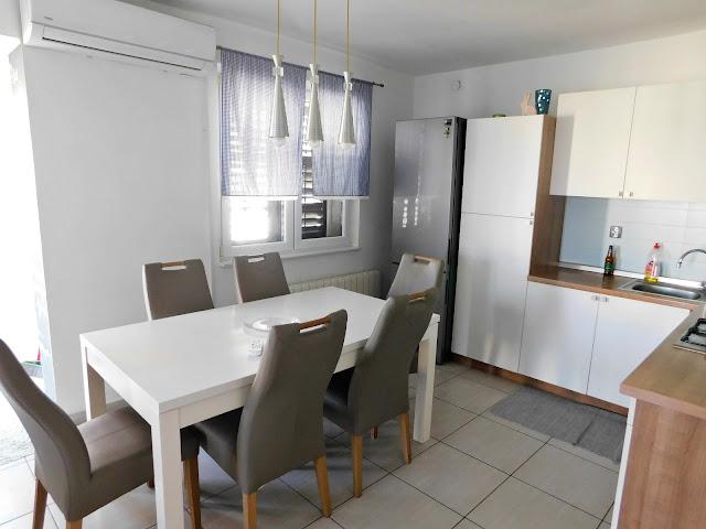 apartments bernarda, apartmani bernarda, jezera, murter, croatia, hrvatska, ljeto, summer, vacation, holiday, beach, plaža, kitchen, kuhinja,