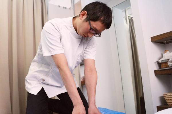 日文隨便翻: ARuFA: 【驗證】被按摩師往天上拋的話會很舒服嗎!?