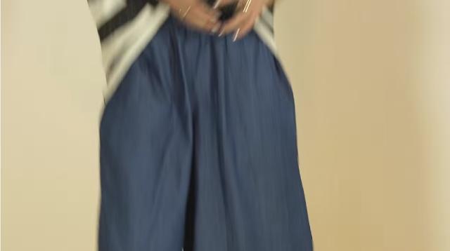 modella bionda tezenis pubblicità kitwear abbigliamento