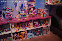 My Little Pony Larger Brushables Display