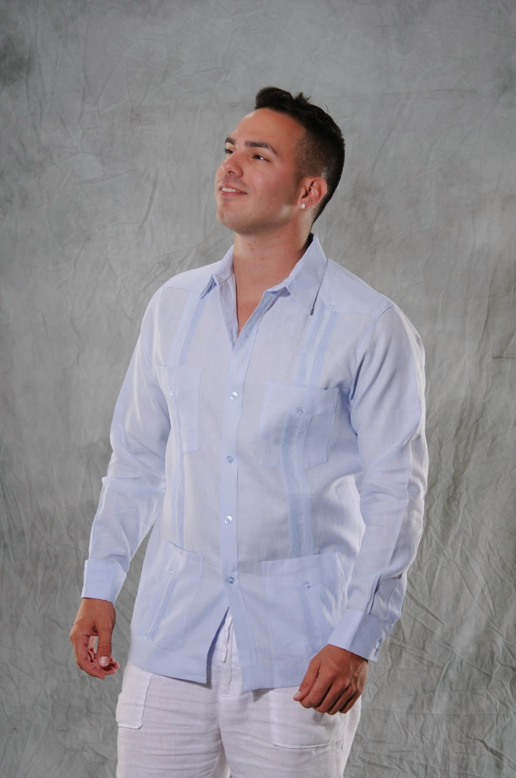 a327913a43 5 Reasons to buy with guayaberascubanas.com