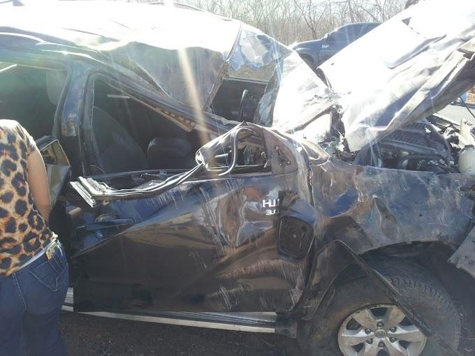 Pacujá em luto: Acidente de carro deixa mãe e filho mortos e três feridos na CE-321.